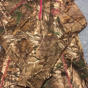 Form fitting RealTree long sleeve